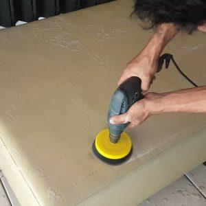 Jasa Cuci Sofa, Karpet, Spring Bed, Helm, Kursi Kantor Batam (11)